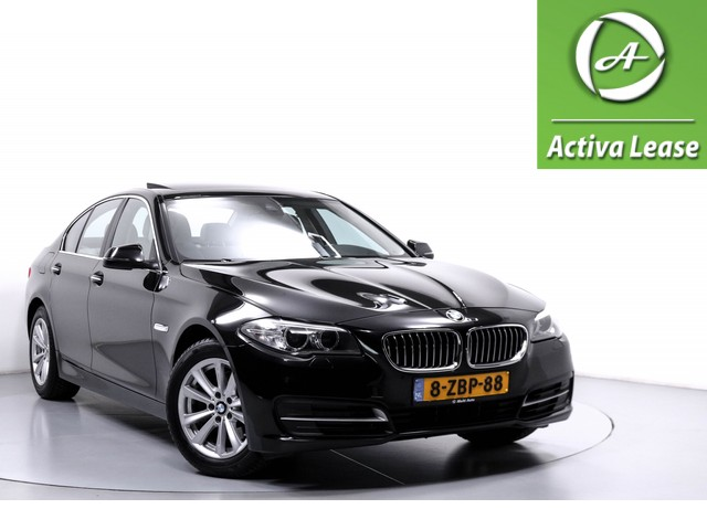 BMW 5 Serie 520d High Executive NL-Auto 191PK! Automaat Head-Up Display Rondomzicht Camera Achteruitrijcamera Sportstuur Schuif-Kanteldak Stoelverwarming Leder Navi Xenon LED ECC LMV PDC