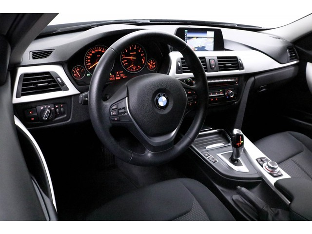 BMW 3 Serie 320i Executive Automaat